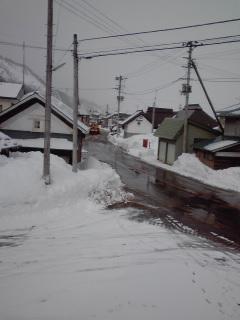 県道、除雪中